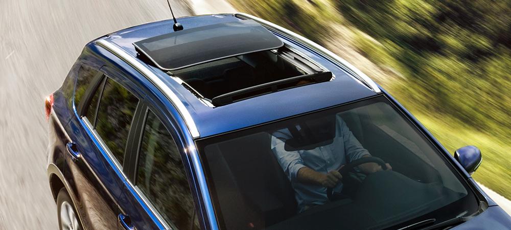 panoramatické střešní okno Suzuki S Cross